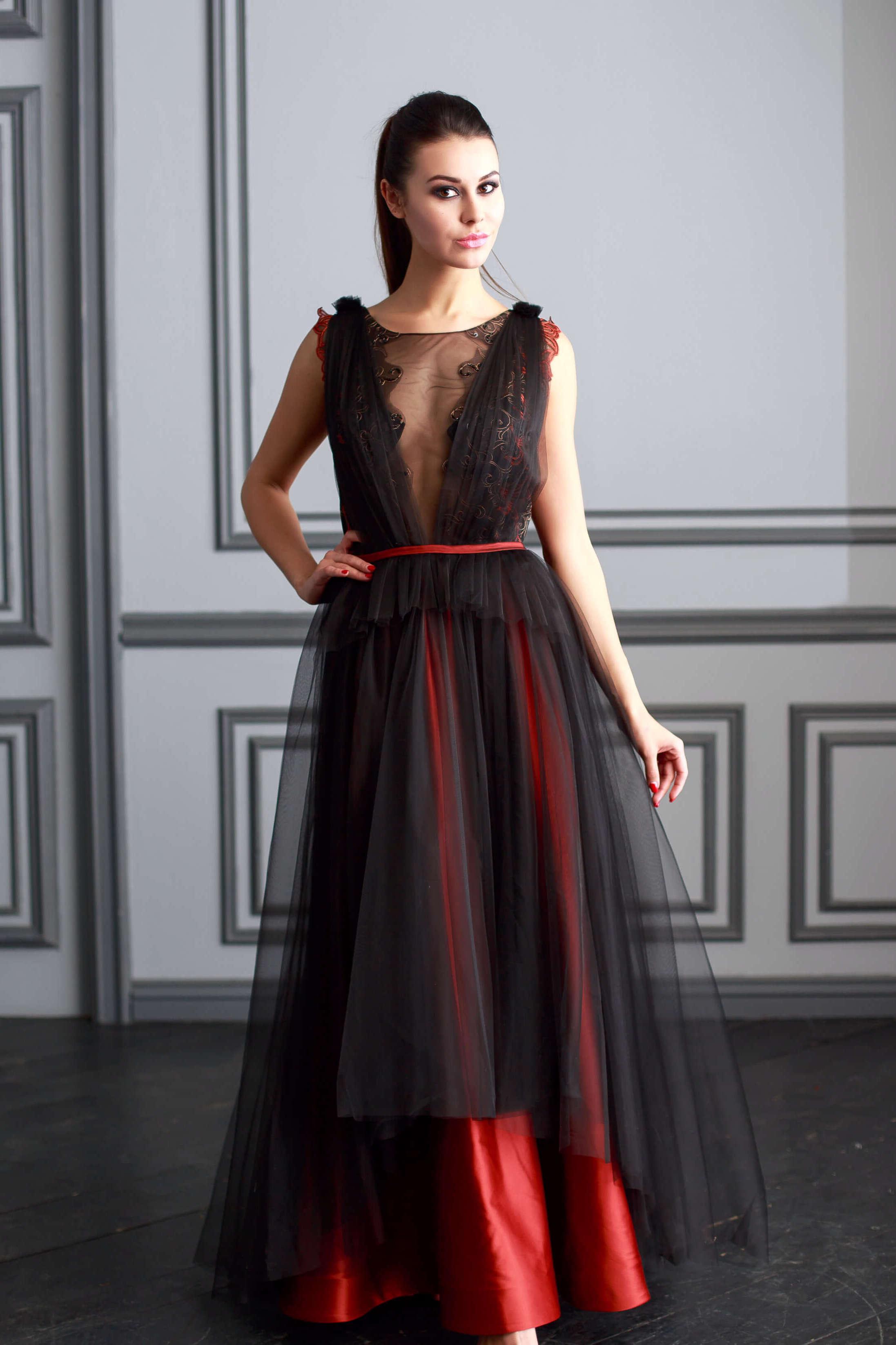 7fb9991251d Эксклюзивные вечерние платья купить в Москве — в салоне ValentinaPolli!
